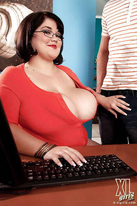 Xl Girls At The Office Image