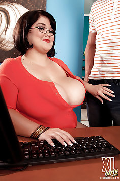 Xl Girls At The Office